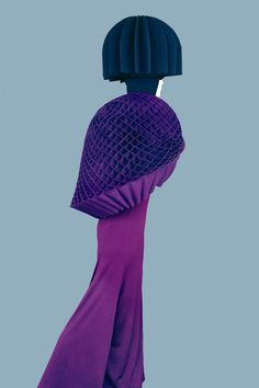 Fashion photographer Erik Madigan Heck shot a striking editorial for Junya Watanabe's fall 2015 collection, which first appeared in New York Magazine. The photographs feature the sculptural design pieces. Amazing Photography, Portrait Photography, Fashion Photography, Editorial Photography, Fashion Images, Fashion Art, Fashion Design, High Fashion, Fashion Portraits