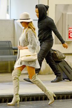"09.MARCH.2015 - MIAMI - USA *** EXCLUSIVE PICTURES *** MULTIPLE AWARD WINNING ARTIST JOHN LEGEND SEEN ARRIVING AT MIAMI AIRPORT WITH HIS WIFE CHRISSY TIEGEN. THE MARRIED COUPLE SHARE A VERY INTIMATE RELATIONSHIP WITH ONE ANOTHER. JOHN RECENTLY REVEALED THE BEST PART OF MARRIAGE IS ""MAKING LOVE"" BYLINE MUST READ : XPOSUREPHOTOS.COM ***UK CLIENTS - PICTURES CONTAINING CHILDREN PLEASE PIXELATE FACE PRIOR TO PUBLICATION *** **UK CLIENTS MUST CALL PRIOR TO TV OR ONLINE USAGE PLEASE TELEPHONE 0208…"