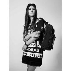 Adidas Originals Typo / tee-shirt