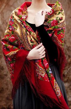 Love the patterned shawl