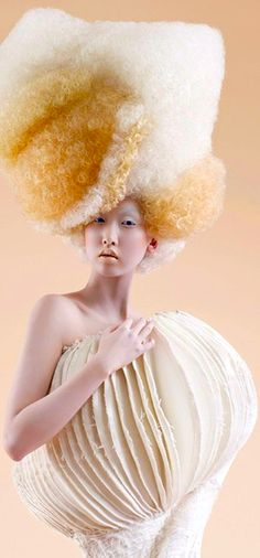 avant-garde or everyday look?  Either way, she uses a whole bottle of shampoo everyday.