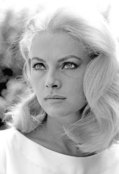 All our Virna Lisi Pictures, Full Sized in an Infinite Scroll. Virna Lisi has an average Hotness Rating of between (based on their top 20 pictures) Classic Actresses, Hollywood Actresses, Beautiful Actresses, Actors & Actresses, Vintage Hollywood, Classic Hollywood, Photographie Portrait Inspiration, Italian Actress, Italian Beauty