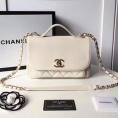 chanel handbags for women replicas Luxury Purses, Luxury Bags, Luxury Handbags, Handbags On Sale, Purses And Handbags, Leather Handbags, Dior, Accesorios Casual, Chain Shoulder Bag