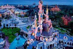 Disneyland Paris Breaks:- Holiday Desire offers or 4 Nights Disneyland Paris Holidays incl. Call on 0203 515 1909 to get discount Disneyland Paris Deals. Disney Dream, Disney Love, Disney Magic, Disney Trips, Disney Parks, Viaje A Disneyland Paris, Edinburgh, Bristol, Travel