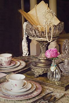 Tablescape Photos - My China ~ mismatched china for rent - RENT MY DUST Vintage Rentals Tea Party Wedding table decor Vintage Wedding Centerpieces, Floral Centerpieces, Wedding Table, Rustic Wedding, Wedding Ideas, Wedding Vintage, Diy Wedding, Trendy Wedding, Wedding Crafts