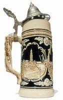 Las jarras de cerveza se han convertido en elementos de coleccionista. Estas jarras pintadas a mano se originaron en Alemania y desde entonces se han copiado por otros fabricantes por ser muy solicitadas.