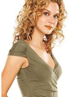 Hilary ROSS BURTON (Peyton SAWYER SCOTT) Taurus And Gemini, Aquarius, Hillary Burton, Peyton Sawyer, Trust Issues, Actresses, Celebrities, People, Crushes