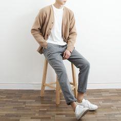 Mens Minimalist Fashion - My Minimalist Living Korean Fashion Men, Mens Fashion, Japanese Fashion Men, Japanese Minimalist Fashion, Fall Fashion, Stylish Men, Men Casual, Look Street Style, Scandinavian Fashion
