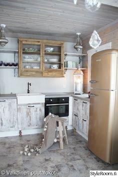keittiö,allas,retro,mökki,mökkikeittiö