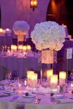 Sala weselna – jaka, gdzie i za ile?  Wybór sali weselnej jest jednym z podstawowych elementów organizacyjnych, o którym należy pamiętać podczas przygotowywań weselnych. To w dużej mierze od sali zależy, jak nasi goście będą się bawić – czy będą mieć ku temu warunki. Sprawdź, na co zwrócić uwagę w trakcie poszukiwania sali marzeń.