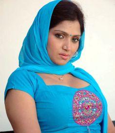 Bhuvaneshwari in news again Actress  Bhuvaneshwari  popularly  known  to be an item girl, has landed