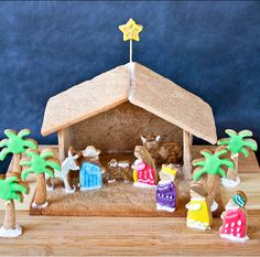 Gingerbread Nativity | 24 Gingerbread House Ideas | Cool And Fun Homemade Treats For Christmas by Pioneer Settler at http://pioneersettler.com/gingerbread-house-ideas/