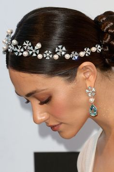 Tiara-Inspired Headpiece - Festive Holiday Hair Accessories Guaranteed to Make You Stand Out  - Photos