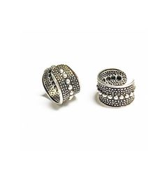 Beaded Center Design Silver Oxidized Ear Cuffs are adjustable to any ear. No piercing is required. It will make you look modern and stylish. Get yours here!