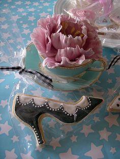 Sugar flower & cookie by nice icing, via Flickr