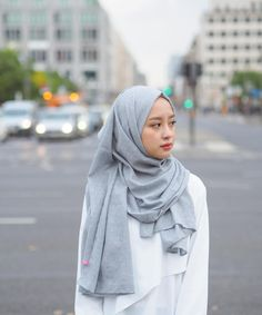 Best Ideas For Style Hijab Remaja Gemuk – Hijab Fashion 2020 Foto Fashion, Trendy Fashion, Fashion Outfits, Fashion Vintage, Fashion Kids, Casual Hijab Outfit, Hijab Chic, Hijab Style Tutorial, Niqab