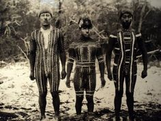 photos taken by anthropologist, Levi-Strauss disciple, in Tierra del Fuego… Patagonia, Chile, Australian Aboriginals, Melbourne Museum, Best Documentaries, American Indian Art, Tribal Art, Anthropology, Old Photos