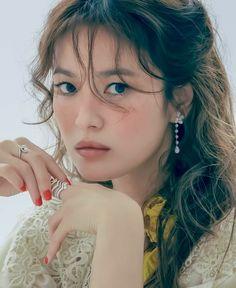 Song Hye Kyo, Song Joong Ki, Korean Celebrities, Celebs, Kbs Drama, Bonnie Clyde, Star Awards, Glowy Skin, Korean Actresses