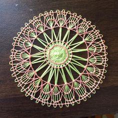 ニャンドゥティ Embroidery Flowers Pattern, Embroidery Needles, Hand Embroidery Stitches, Tenerife, Needle Lace, Bobbin Lace, Loom Weaving, Hand Weaving, Circular Weaving