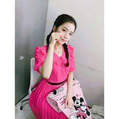 Top Hot Photo's of Jisoo Blackpink Blackpink Jisoo, Forever Young, South Korean Girls, Korean Girl Groups, Korean Girl Fashion, Womens Fashion, Kpop Fashion, Tiffany Snsd, Black Pink ジス