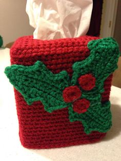 Christmas Holly Tissue Box Cover - Crochet