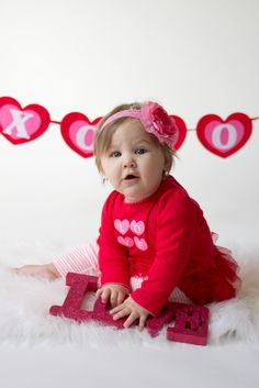 Valentine Love As Well As Head Paper And Outfit Flower With Band Background  And Also Toddler