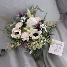 'Anemos'アネモネのミニブーケ(トスブーケ) Wedding Bouquets, Floral Wreath, Wreaths, Decor, Floral Crown, Decoration, Wedding Brooch Bouquets, Door Wreaths, Bridal Bouquets