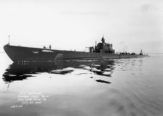 USS Porpoise (SS-172) with external bow torpedo tubes