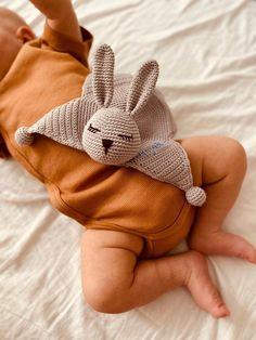 Crochet Bunny, Crochet Toys, Lovey Blanket, Manta Crochet, Bunny Toys, Womens Scarves, Gifts For Mom, My Etsy Shop, Stuffed Toys