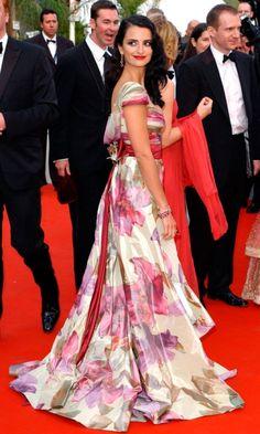 Penelope Cruz Wearing Valentino At Cannes Film Festival, 2005