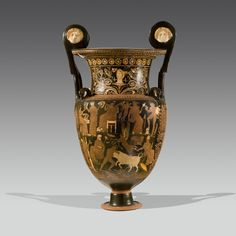 This monumental, 86 cm high volute krater was produced in the Greek colonies in the Italian peninsula around 330-320 BC. Among the many mythological figures that adorn it is Herakles, fighting the bull of Crete. Galería J. Bagot Arqueología / BRAFA 2015.