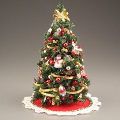 dollhouse christmas ultimate tree in red and gold - Dollhouse Christmas Decorations