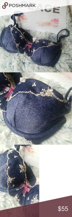 😀Flash sale😀 NWT Denim print VICTORIA'S SECRET NWT Blue Denim print VICTORIA'S SECRET BRA 32D never worn Victoria's Secret Intimates & Sleepwear Bras