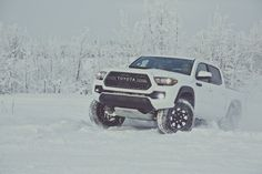 2017 Toyota Tacoma TRD Pro – Kevlar-Reinforced Tires, Rigid Industries LEDs and Black-Dipped Styling Details Toyota Tacoma 2015, Toyota Tercel, Toyota Hilux, Toyota Corolla, Toyota Supra, Toyota Tacoma Roof Rack, Toyota Tacoma Interior, Toyota Tacoma Lifted, Autos Toyota