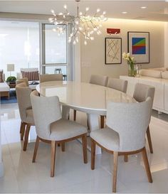 Get inspired by these modern dining room design ideas! Dining Room Table Decor, Dining Room Lighting, Dining Room Design, Living Room Decor, Bedroom Decor, Dining Tables, Mesa Oval, Dinner Room, Luxury Dining Room