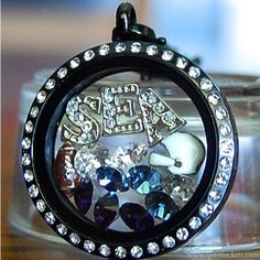 Show which team you are rooting for!  SHOP: staciefischer.origamiowl.com FACEBOOK: https://www.facebook.com/StaciesO2