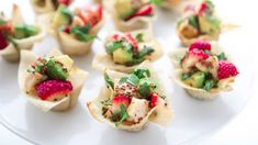 With a little imagination you can transform wonton wrappers into almost anything, like cheesy wonton quesadillas, samosa potstickers and taco cupcakes. Youve never seen party food like this before.