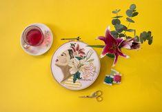 Recheada por delicadezas criativas, a artista brasileira Marcela Ghirardelli mostra seu trabalho e fala sobre suas aquarelas, ilustrações e bordados.