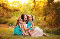 Family photography @Kendra Wilhelm I would love to a photo like this with my girls❤️