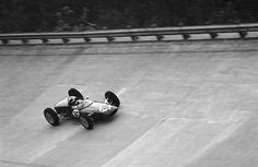 Jim Clark in the Lotus 21 at Monza Ford Sport, Ferrari, Flying Scotsman, Lotus F1, Mario Andretti, Monaco Grand Prix, Vintage Race Car, Car And Driver, Car Photos