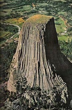 Devil's Tower, Wyoming, USA  Standing 867 feet (265 m) Amazing Geologist