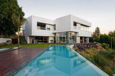 Google Image Result for http://ehsanactor.webs.com/Modern-Architecture-House-Design-2.jpg