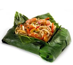 Stone Silo (4) 16 oz Shrimp Pad Thai Banana Leaf Wraps —