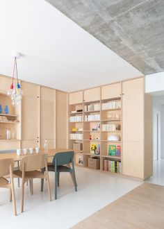 Located in Paris, arrondissement, this modern apartment offers unobstructed views of the city. Sacha is a modern apartment for a young Parisian family, designed as a result of the combination of Minimalist Interior, Modern Interior Design, Interior Architecture, Minimalist Apartment, Modern Interiors, Interior Styling, Room Setup, Decorating Blogs, House Design
