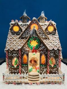 Goodies By Anna : Gingerbread House 2019 Goodies By Anna : Gingerbread House 2019 Gingerbread Christmas Decor, Cool Gingerbread Houses, Gingerbread House Designs, Gingerbread House Parties, Christmas Goodies, Christmas Treats, Christmas Baking, Christmas Holidays, Gingerbread House Pictures