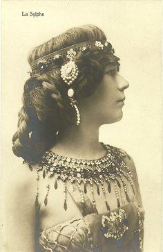 La Sylphe;Famous dancer,around 1900.