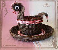 Плетение из газет Paper Basket, Weaving, Easter, Spinning, News, Hampers, Paper Envelopes, Hand Spinning, Crocheting