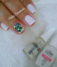 Melhores modelos de Adesivos para unhas Uñas Diy, Finger, Manicure E Pedicure, Nail Shop, Toe Nails, How To Do Nails, You Nailed It, Nail Colors, Nail Designs
