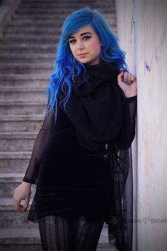 Looks like a mixture of MANIC PANIC Bad Boy Blue and Shocking Blue. Awesome.