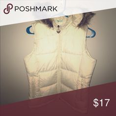 NWOT Maurice's puffer vest New never worn pockets on outside and inside Maurices Jackets & Coats Puffers